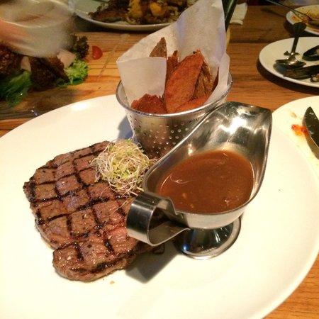 The Brazzo House: Rib eye steak