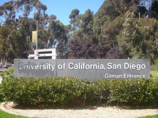 University of California San Diego: Entrada do Campus