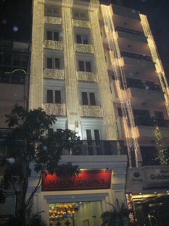 Maison D'Hanoi Hanova Hotel : Hotel at Night