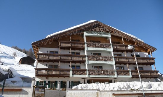 Hotel Alpenrose - Vorderansicht