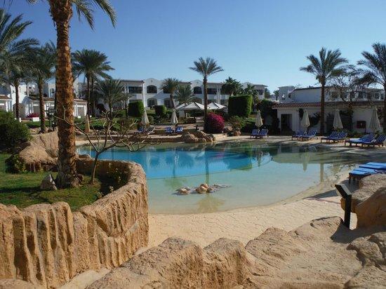 Hilton Sharm Dreams Resort: Heated Lagoon Pool