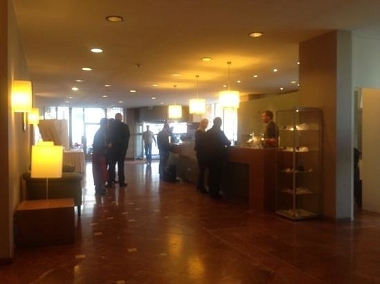 Crowne Plaza Hotel Hannover: reception view