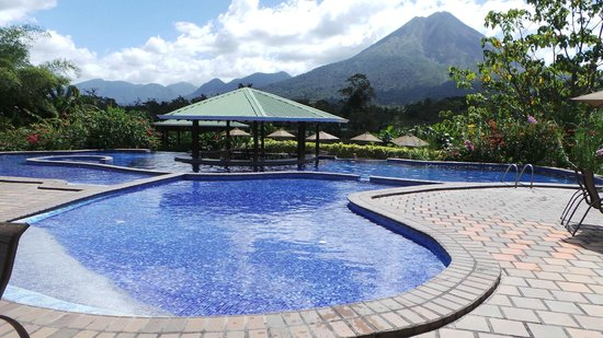 Arenal Manoa Hotel & Spa: La piscine et son bar !