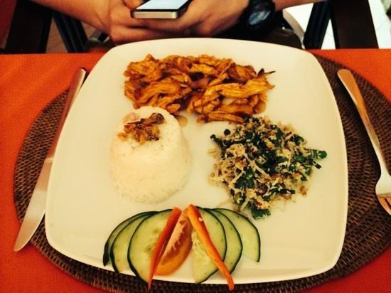 Lu Putu Resto: sehr leckeres hähnchengericht