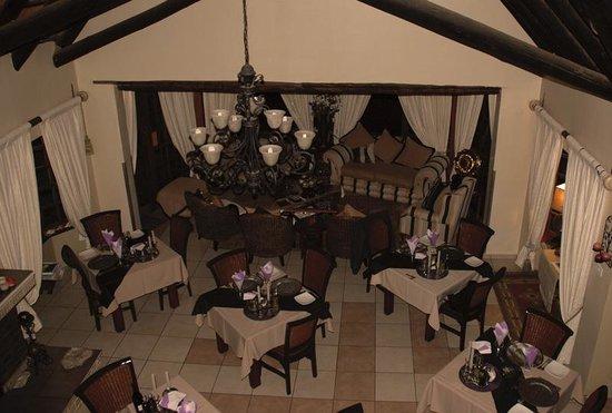 Amazian Mountain River Lodge: Dining Area
