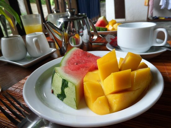 The Strand: breakfast