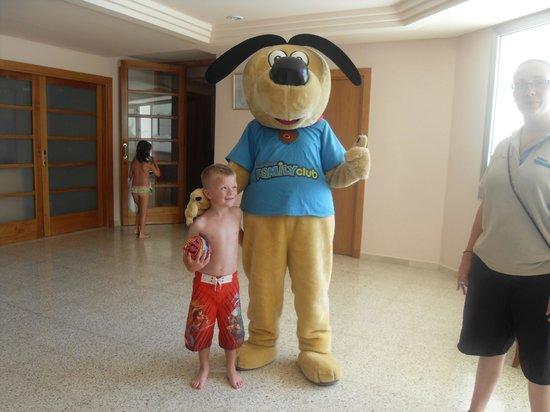 Golden Taurus Park Resort: Liam with 'Thomson the Dog'