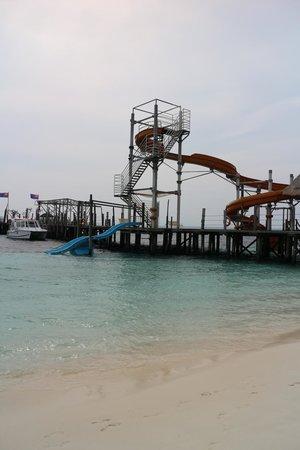 Rawa Island Resort: The slide