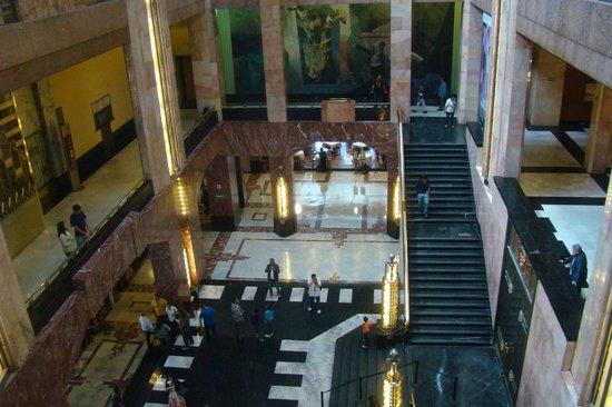 Palacio de Bellas Artes: Outro lado do vão central.