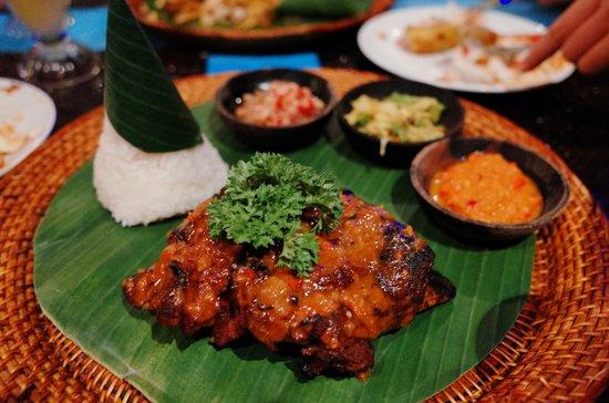 Paon International Restaurant: Ribs!!! Must eat!!!