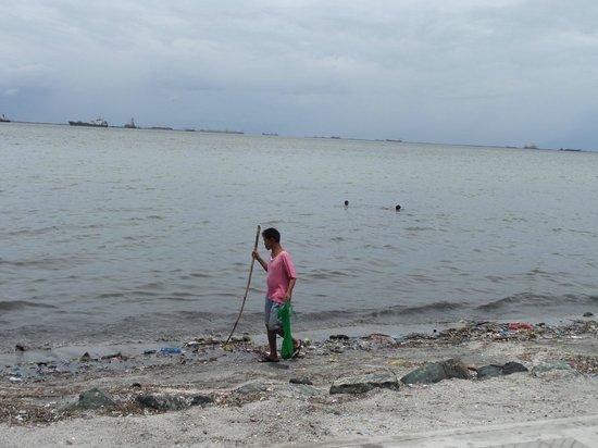 Red Planet Mabini: Manila Bay