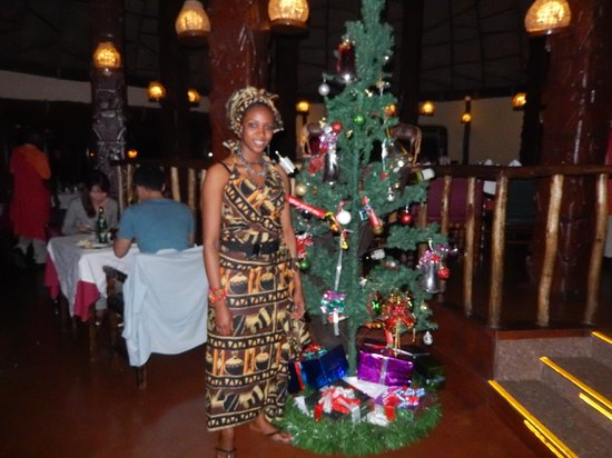 Serengeti Serena Safari Lodge: Dining Room Hostess, Christmas Eve
