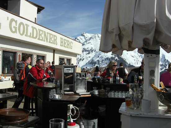 Hotel Goldener Berg: Goldener Berg terrace