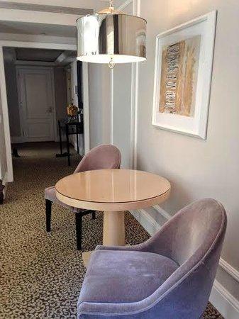 Omni Berkshire Place : Suite