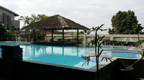 Banana Inn Hotel & Spa : Hotel's small swimming pool.