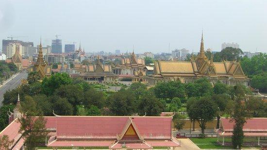 The Frangipani Royal Palace Hotel: Blick von der Dachterrasse