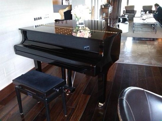 BAL Hotel & Spa: piano hal hotel spa bal