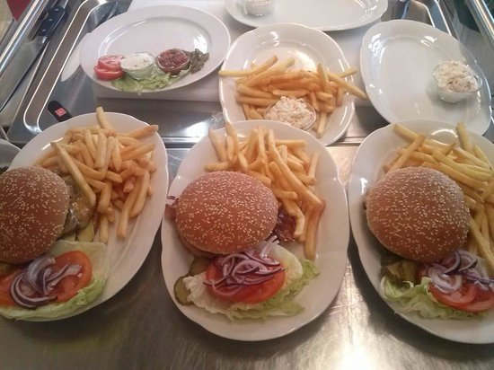 """Hoserer Rolly""""s American Diner: Burgers"""