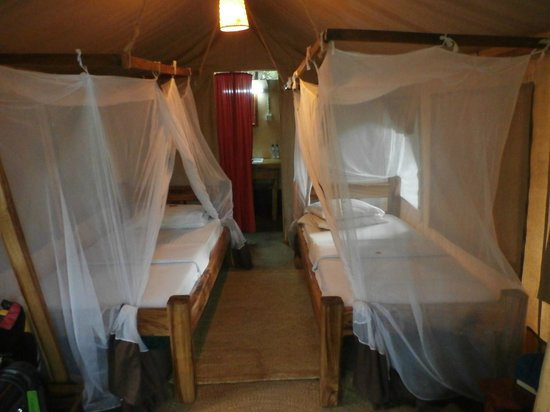 Migunga Tented Camp : Comfortable and clean beds.