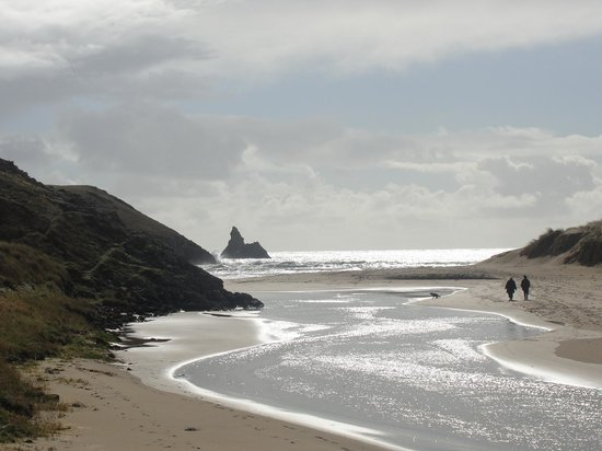 Stackpole Inn: Freshwater East and Church Rock