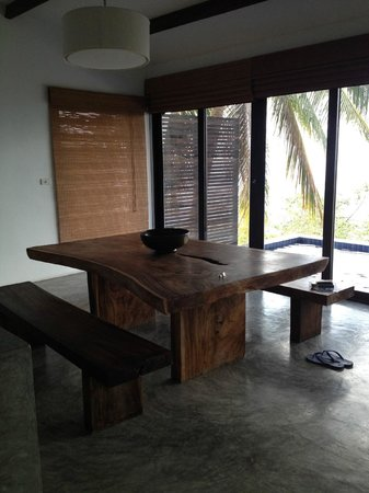 Casas del Sol - Luxury Boutique Villas : Lovely oak dining table