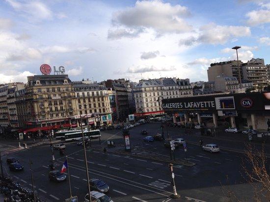 Hotel Edouard 6: Vista dalla camera