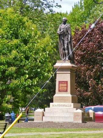 City Park : Statue of John A. MacDonald greets you at the park entrance