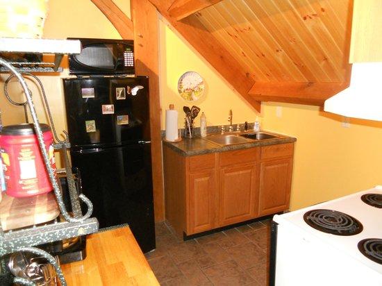 Shadow Mountain Escape : Kitchen area