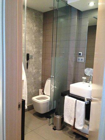 Vincci Seleccion Posada del Patio : Bathroom (room 315)