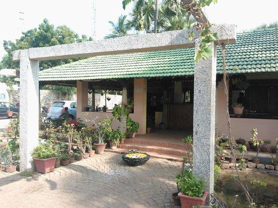 Nalla Eco Beach Resort: Reception