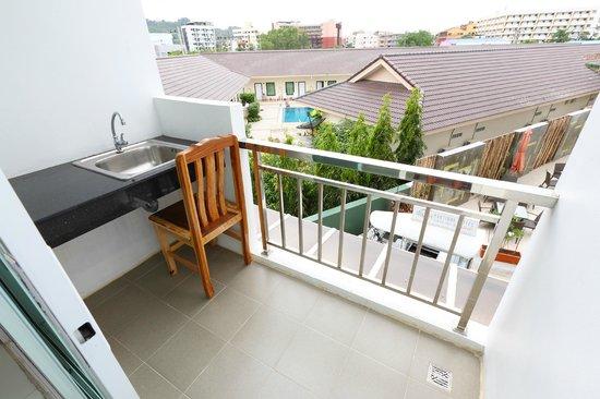 A Casa Di Luca Patong: Balcony