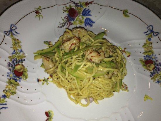 Ristorante La Tortuga: Pasta fresca con gamberi e asparagi