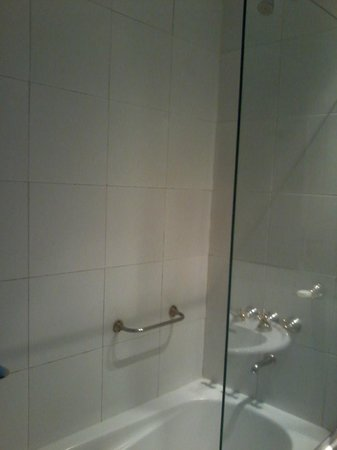 Unique Executive Central: Banheiro 2