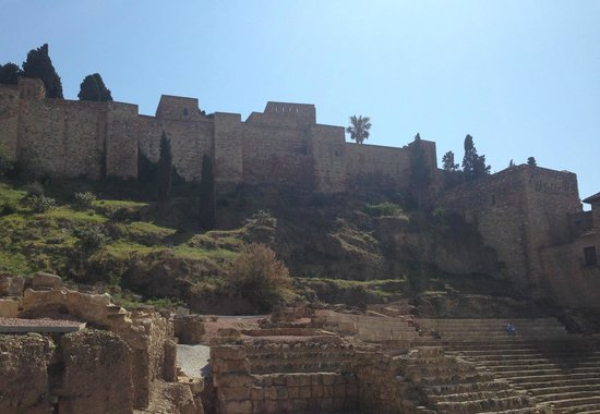 Alcazaba: View from below...