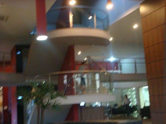Viale Cataratas Hotel: Escadas