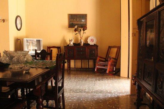 Hostal Los Hermanos: Common living room