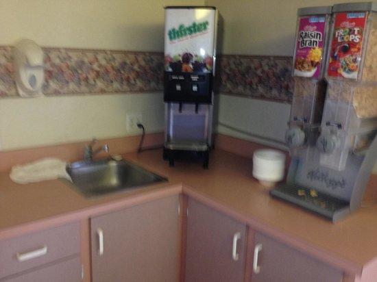 Rodeway Inn Clearwater: Breakfast