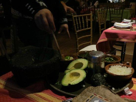 Charrito's : fresh guacamole