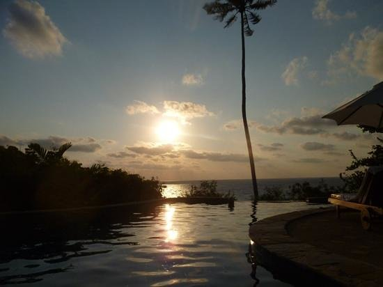 Santhiya Koh Phangan Resort & Spa : sunrise on the poolvilla
