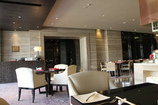 Pan Pacific Suzhou: Avanti Italian restaurant where breakfast is served in the Pacific Club wing