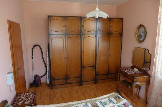 Split Apartments - Peric Hotel : bedroom