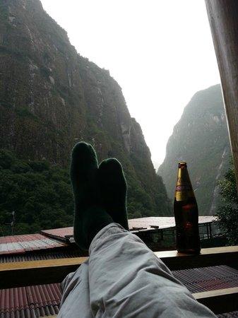 Rupa Wasi Lodge: Enjoying a Cusqueno on the balcony