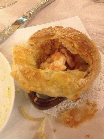 La Vecchia Mola : Ciocco di creta con pesce ricoperto di pasta sfoglia