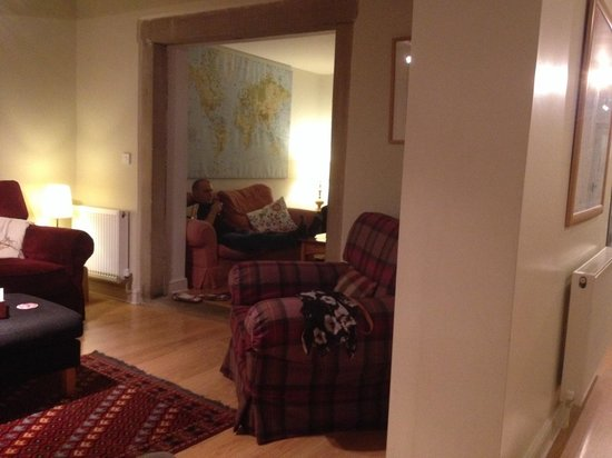Jerry and Bens Cottages: The lounge