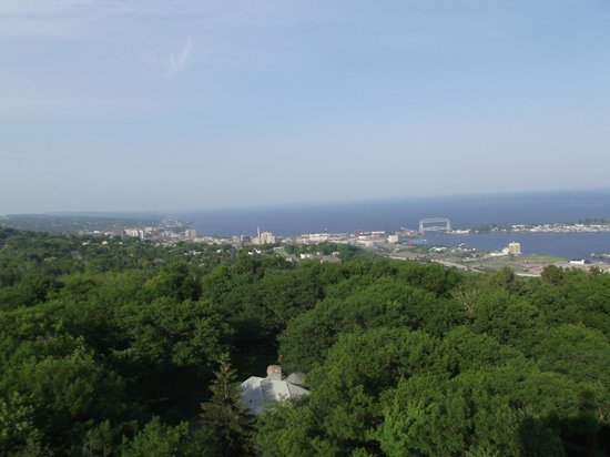 Enger Park and Tower: Duluth harbor