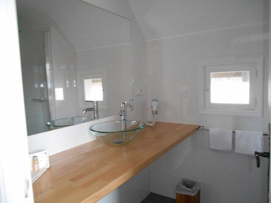 L'Auberge Cavaliere Du Pont Des Bannes : salle de bain