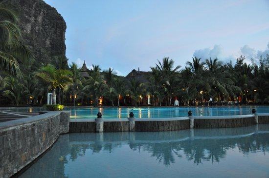 Beachcomber Dinarobin Hotel Golf & Spa : la nuit tombe