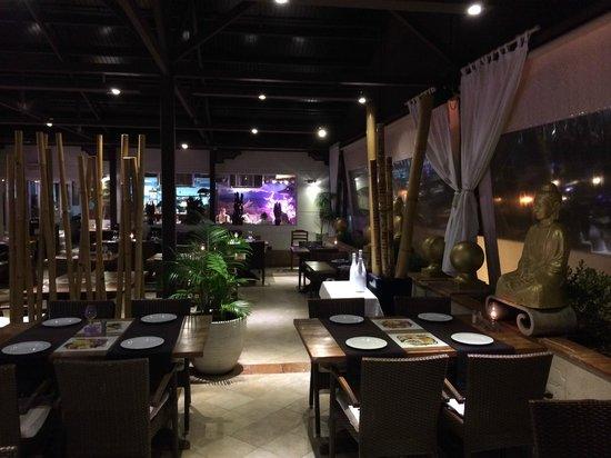 Teppanyaki Oriental Garden: Sala interna