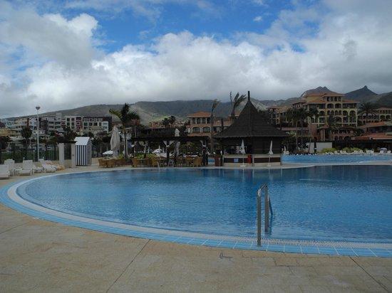 Iberostar Anthelia: Vue partielle d'une des piscines du resort