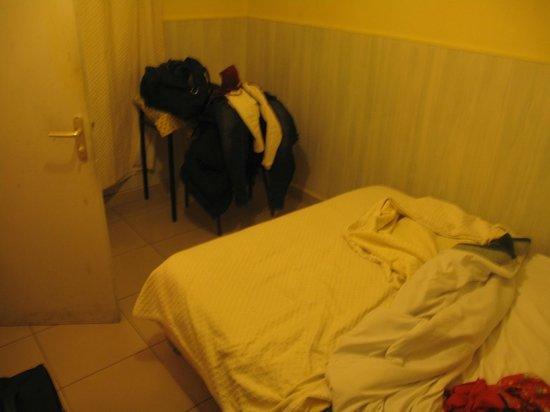 Hipotel Paris Belleville : letto